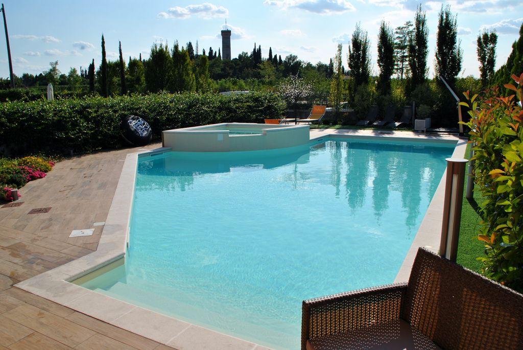 Realizzazione piscine Lago di Garda
