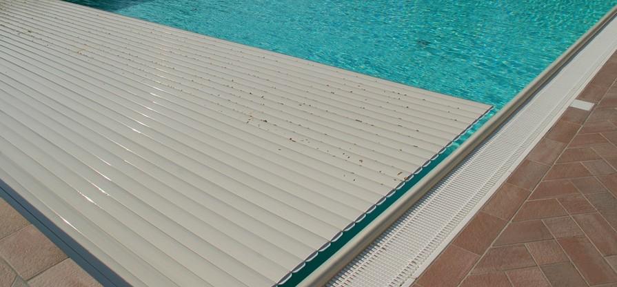 Tapparelle elettriche per piscine